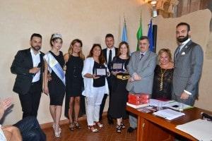 Foto di gruppo con le giornaliste premiate