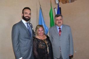 Francesca Guidi con l Ambasciatore e il terzo segretario